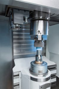 The VLC 100 G is equipped with three axes (X, Z, C). The machine uses its overhead pick-up spindle to load itself. The machining area features one or two grinding spindles for internal and/or external work.