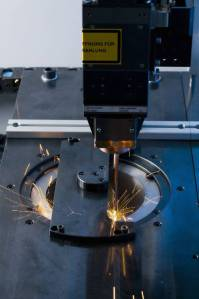 Laser welding a synchronous wheel onto a gear. The new fibre laser on the ELC 160 cuts operating costs in half.